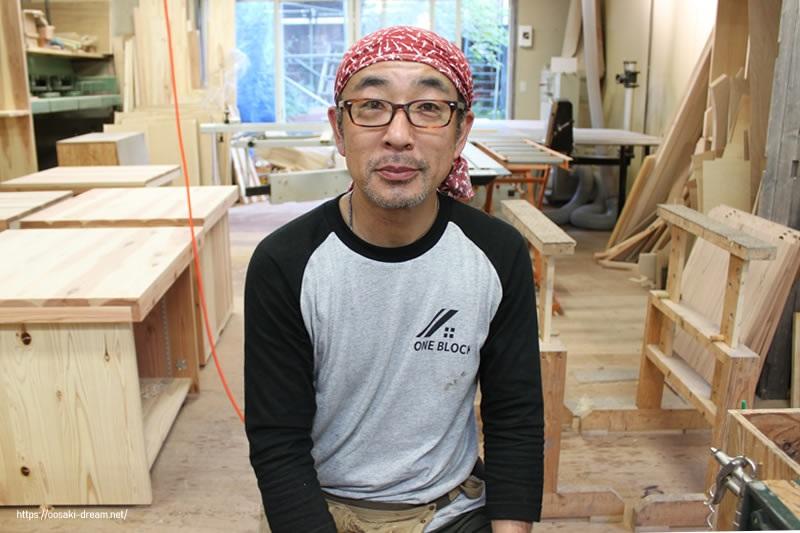 麓汕の家具職人・山本さん